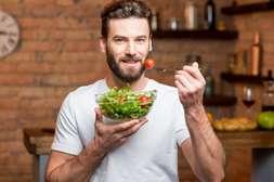 Состав АСЖ 35 регулирует пищевые привычки.
